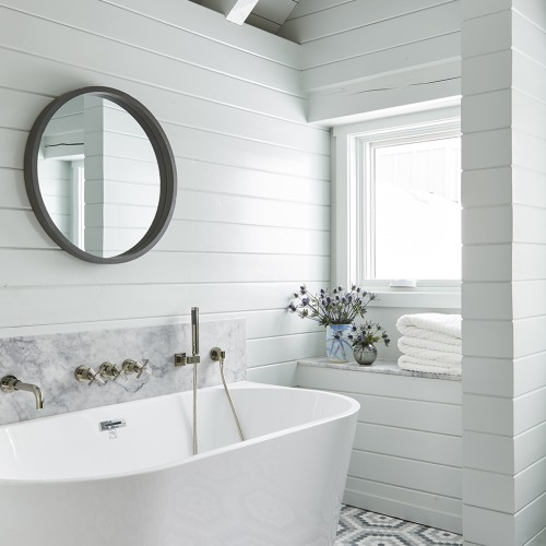 Contemporary Chalet: Guest Bathroom